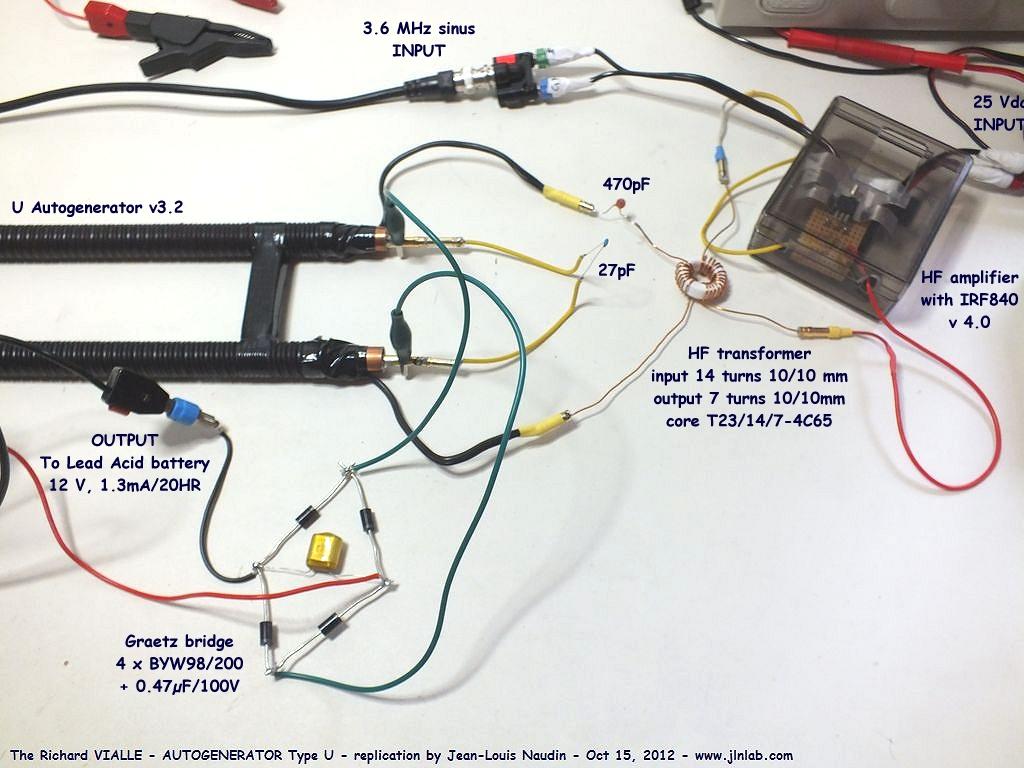 A la sortie du pont de greatz hf j ai connect une batterie au plomb panasonic model lc r121r3pg de 12v 1 3ah 20hr partiellement d charg e